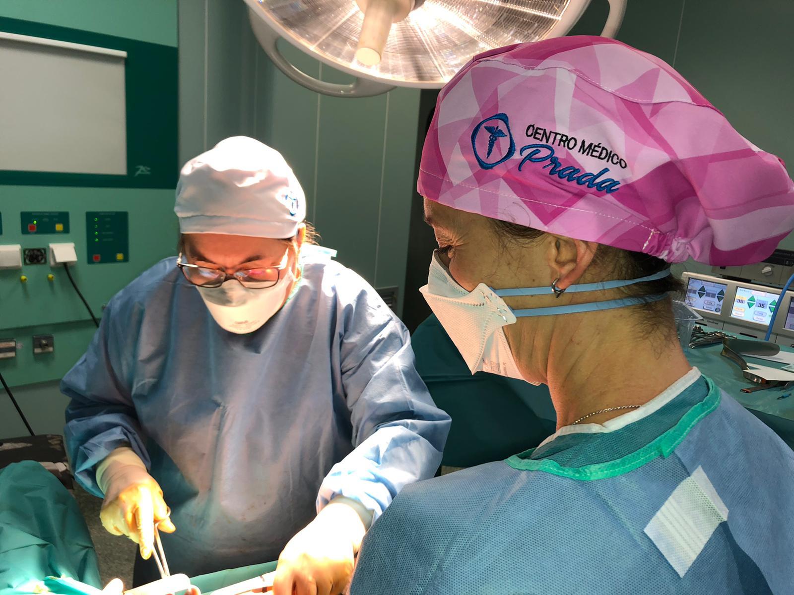 abdominoplastia en Centro Médico Prada, cirujanos plásticos Sevilla